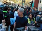 tim cook palo alto apple store iphone6
